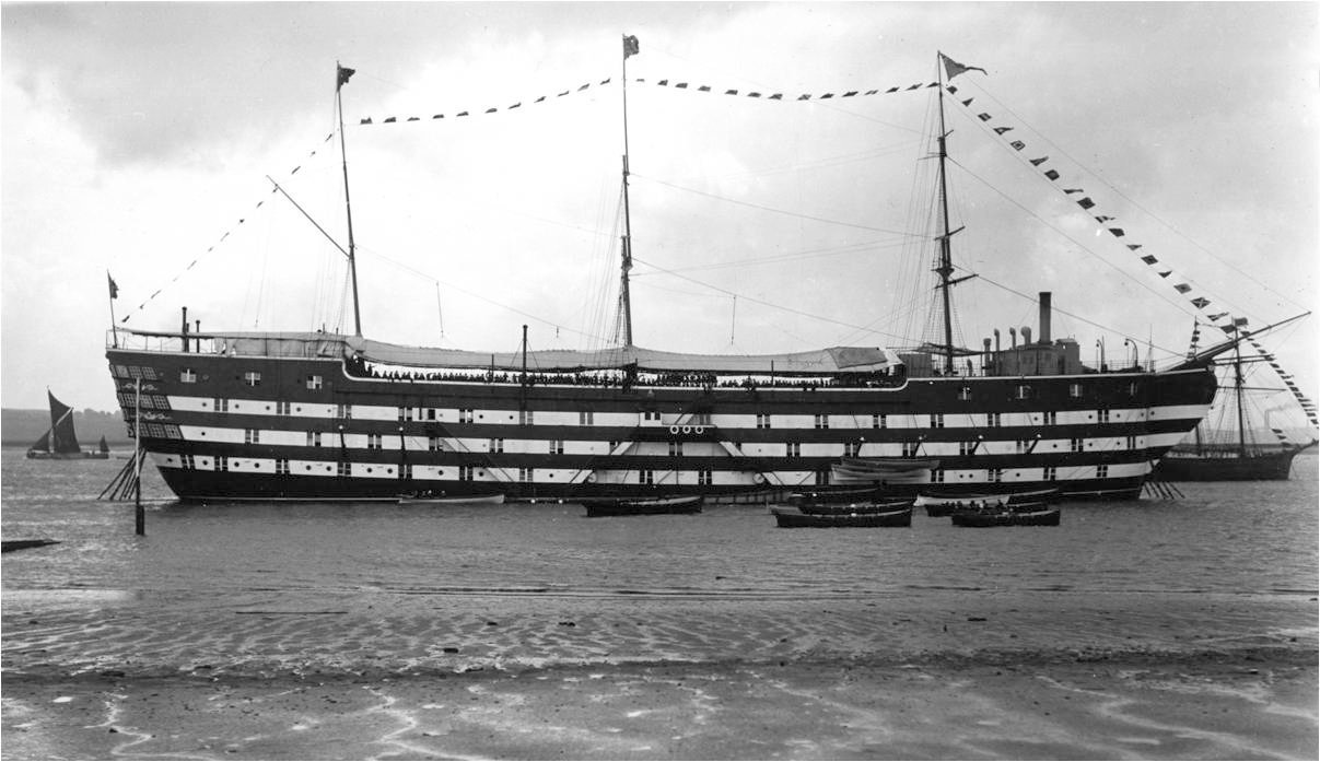 Training ship exmouth at grays in essex for Ts arethusa pictures